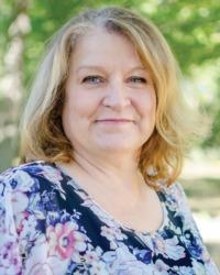 Lisa Kenworthy-Hale, REALTOR®/Broker, F. C. Tucker Company, Inc.