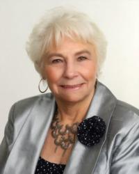 Liz Bennett, REALTOR®/Broker, F. C. Tucker Company, Inc.