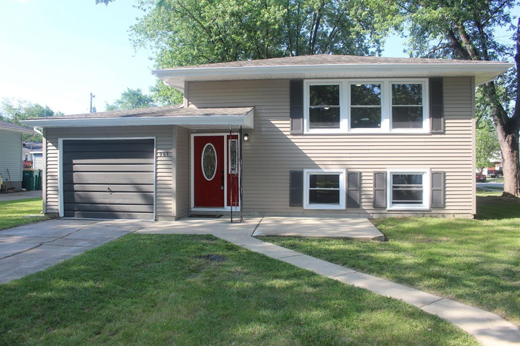 967 W 72nd Place Merrillville, IN 46410 | MLS 438188 | photo 1