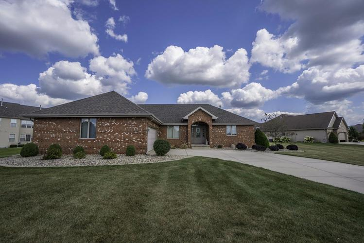 1103  Boxwood Drive Munster, IN 46321 | MLS 452520