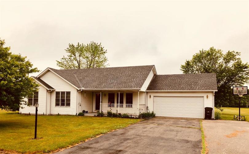 11598 N Michelle Drive Wheatfield, IN 46392 | MLS 456901