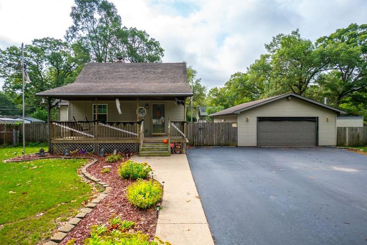 2833 W 40th Place Gary, IN 46408 | MLS 443833