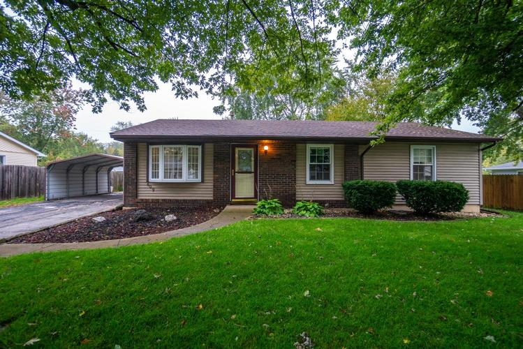 609  Oxford Road Valparaiso, IN 46385 | MLS 444147