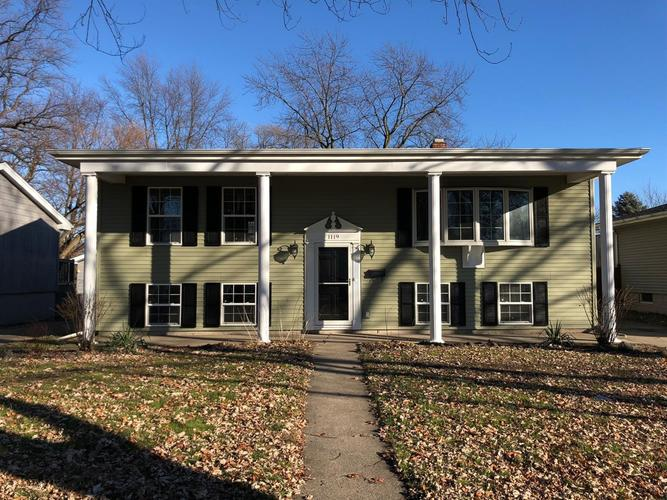 1119 N Indiana Street Griffith, IN 46319 | MLS 447285