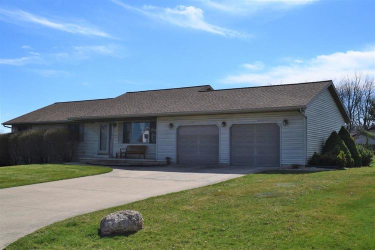 1612 N Crest View Drive LaPorte, IN 46350 | MLS 448136