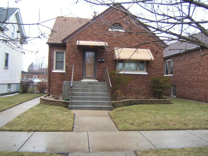 2140  Lincoln Avenue Whiting, IN 46394 | MLS 449144