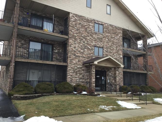 16824 82nd #1S Tinley Park, IL 60477 | MLS 449232 | photo 1