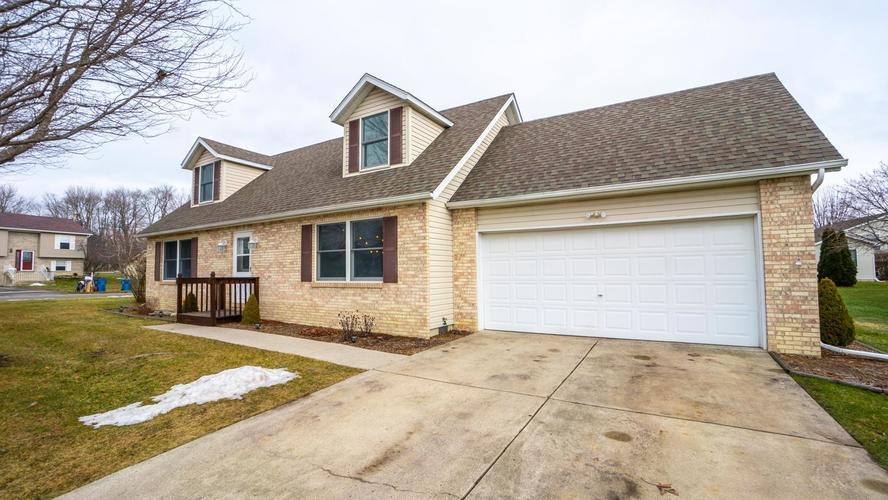 12341  Brookside Drive Crown Point, IN 46307 | MLS 449252