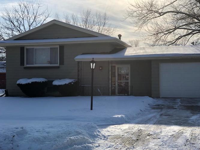 1005 W 72nd Place Merrillville, IN 46410 | MLS 449369