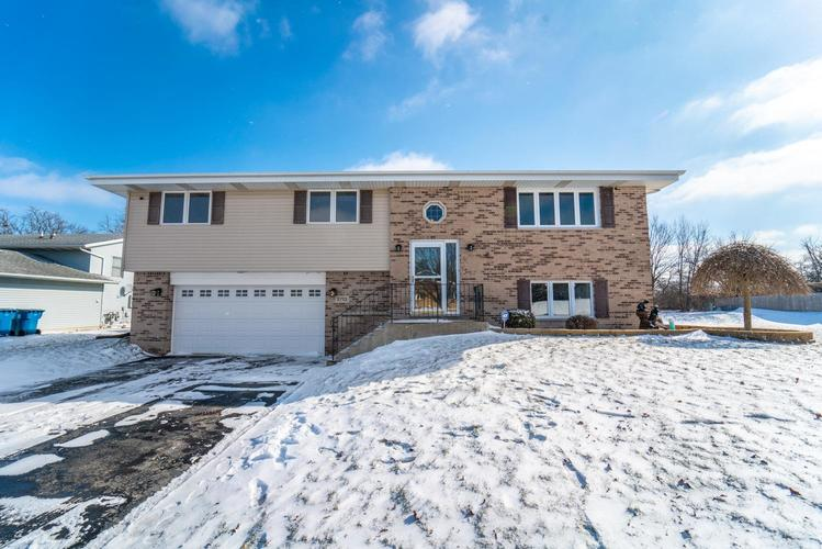 2713 Morningside Drive Crown Point, IN 46307 | MLS 449608 | photo 1
