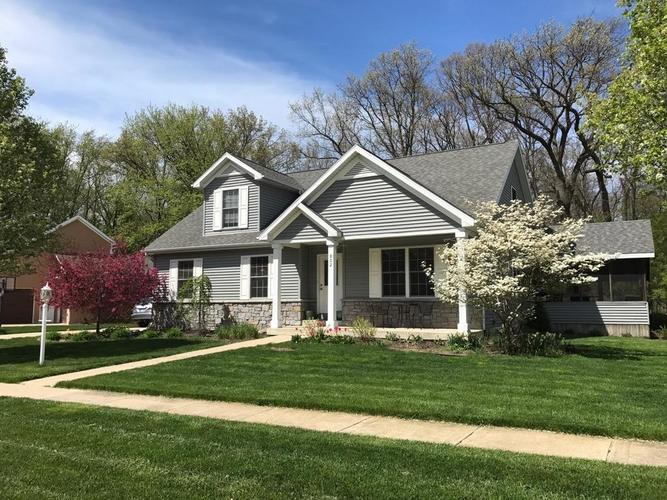 802  Oakwood Drive Chesterton, IN 46304 | MLS 450147