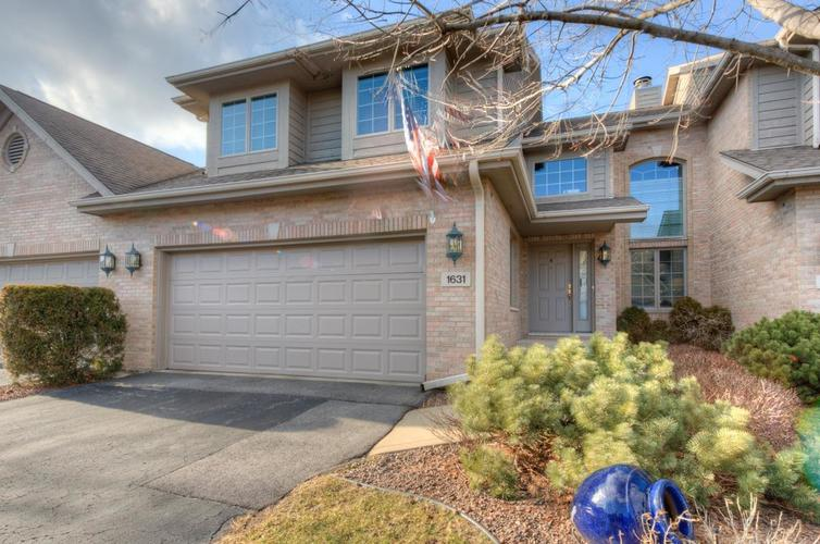 1631 James Edward Drive #2 Munster, IN 46321 | MLS 450119 | photo 1