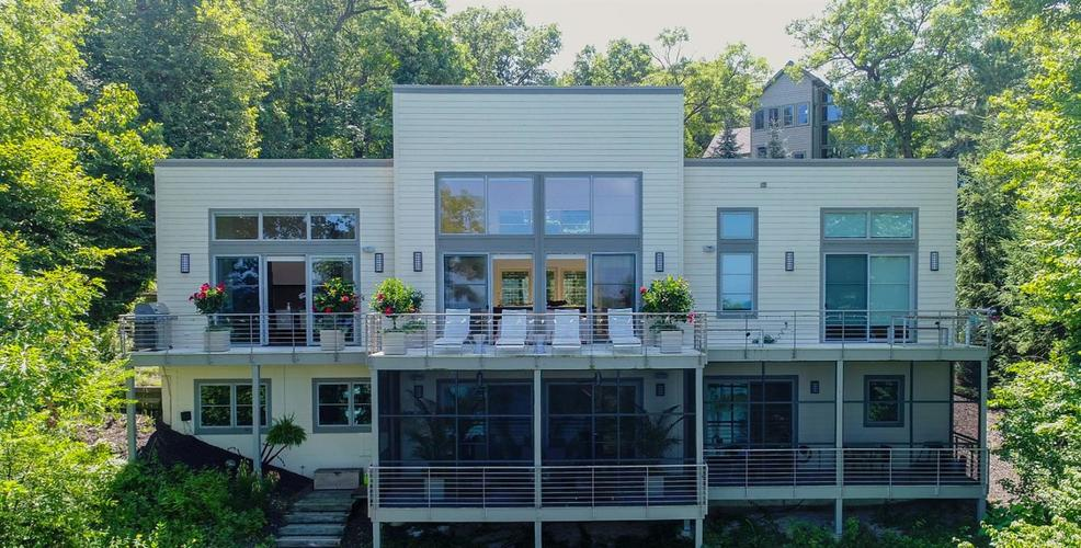 827 E Lake Front Drive Beverly Shores, IN 46301 | MLS 449788