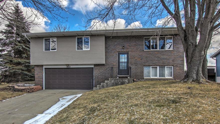1973 Greenvalley Drive Crown Point, IN 46307 | MLS 450367 | photo 1