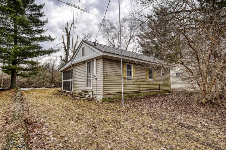 1705  Westwood Drive Shelby, IN 46377   MLS 450949