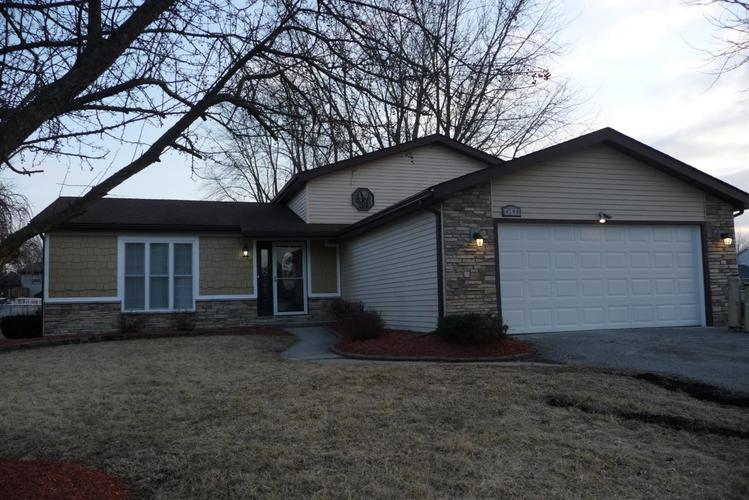 4198 Thornhill Drive Crown Point, IN 46307 | MLS 450861 | photo 1