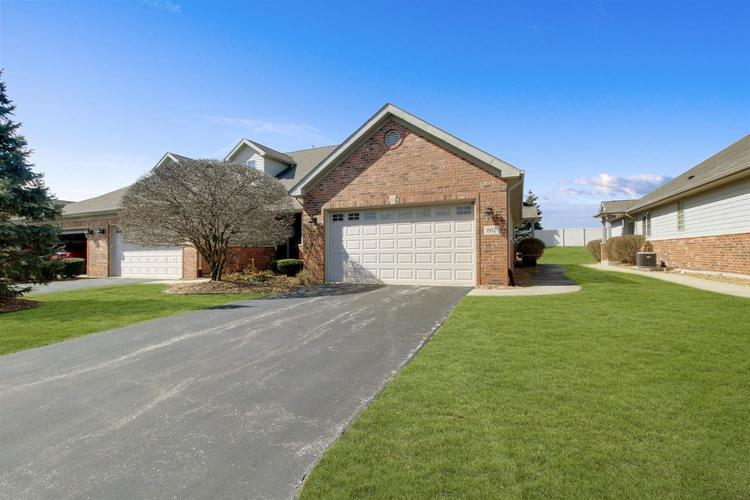 802  Boxwood Drive Munster, IN 46321   MLS 451133