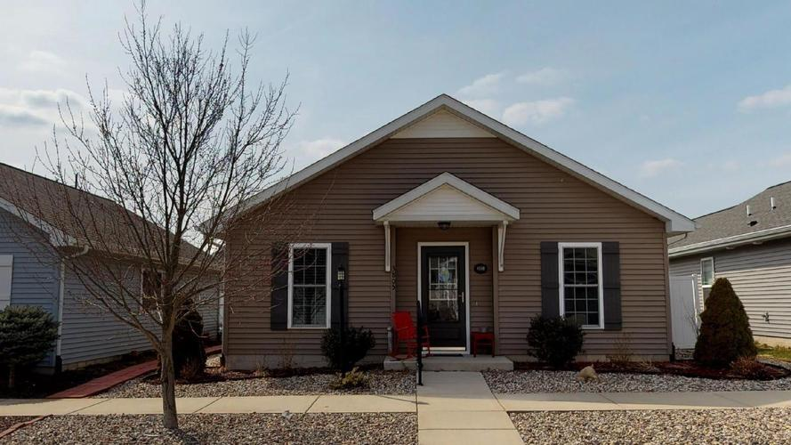 3805  Windslow Drive Valparaiso, IN 46383 | MLS 451946
