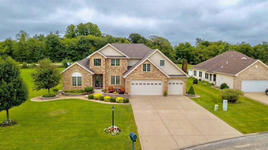 8318  Doubletree Drive Crown Point, IN 46307 | MLS 452543