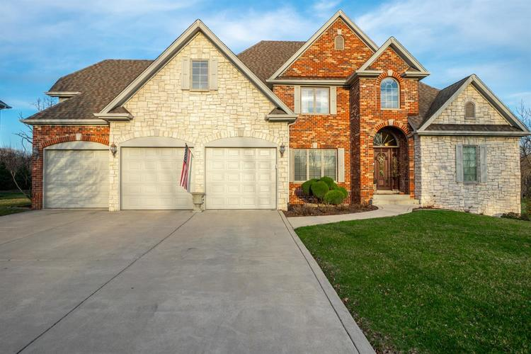 10695  Erie Drive Crown Point, IN 46307 | MLS 452686