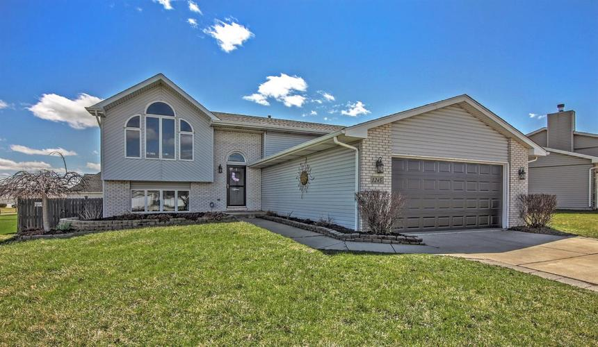 1245 W 98th Avenue Crown Point, IN 46307 | MLS 452853 | photo 1