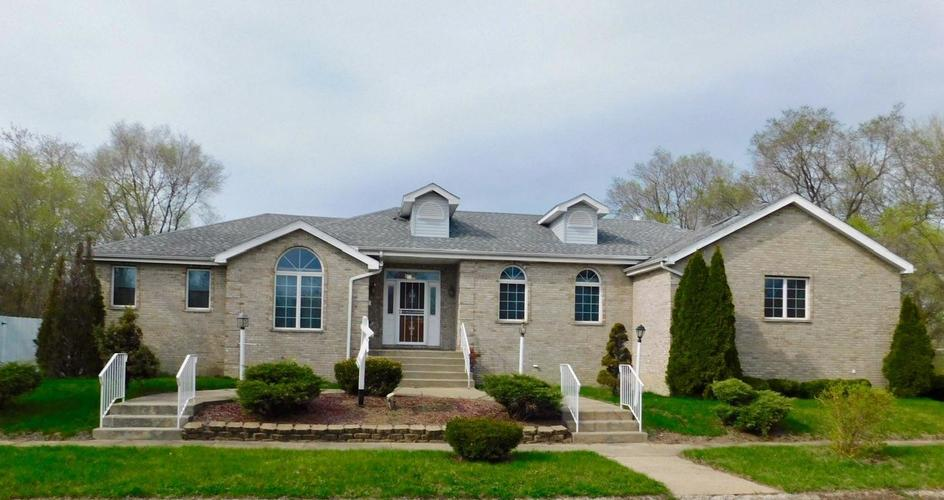 2930 W 19th Place Gary, IN 46404 | MLS 453317