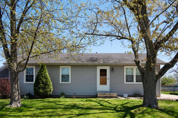 126 S Chase Drive Crown Point, IN 46307 | MLS 453844