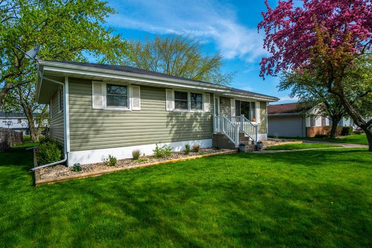 936 Northgate Drive Dyer, IN 46311 | MLS 454565 | photo 1