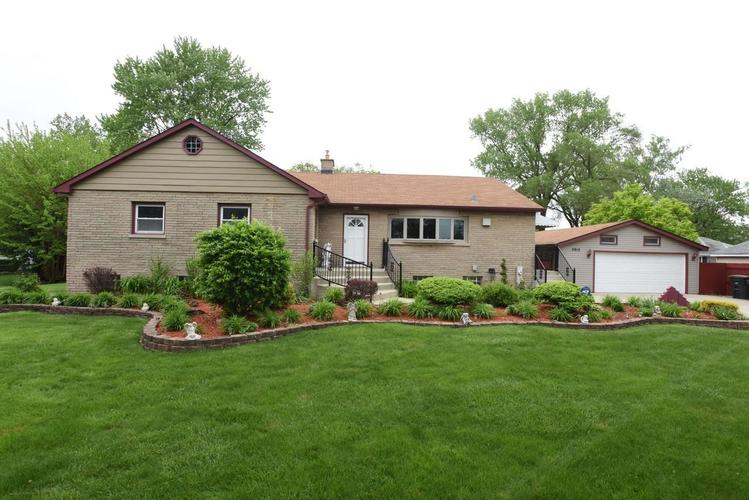 2910 173rd Place Lansing, IL 60438 | MLS 455296 | photo 1