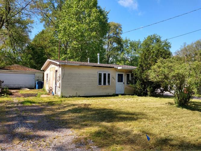 401  Strongbow Trail Porter, IN 46304 | MLS 455927