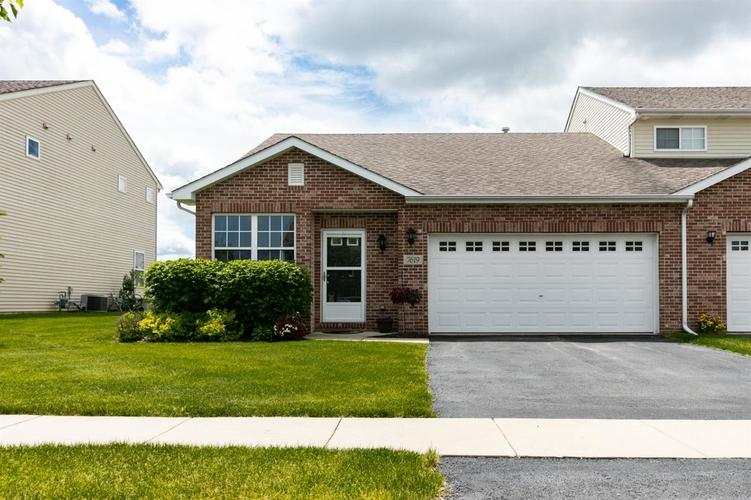 7619 E 112th Avenue Crown Point, IN 46307 | MLS 456514 | photo 1