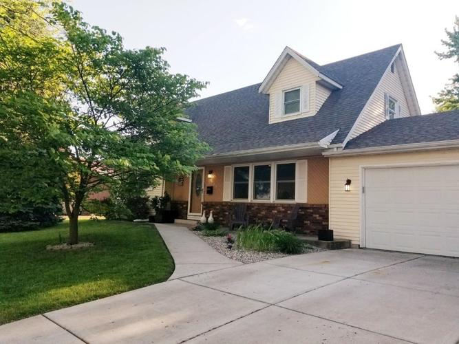925 S East Street Crown Point, IN 46307 | MLS 456686 | photo 1