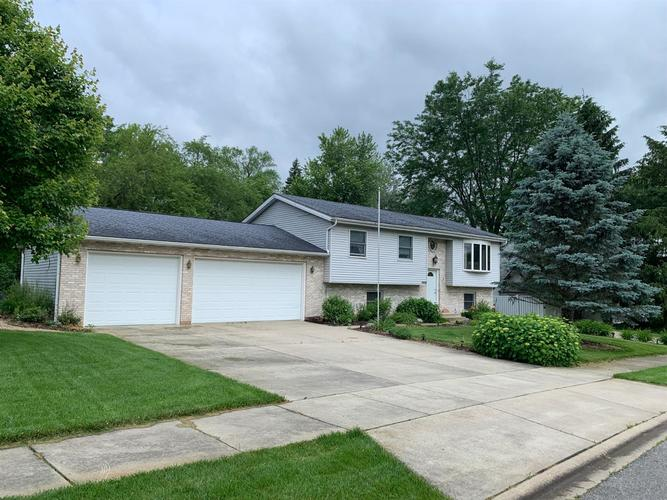 13920 Orchard Drive Cedar Lake, IN 46303 | MLS 456841 | photo 1