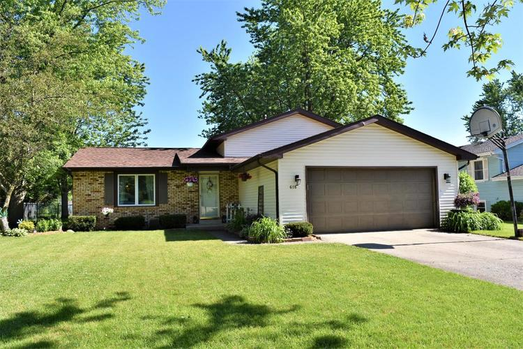 618 Imperial Drive Crown Point, IN 46307 | MLS 456808 | photo 1