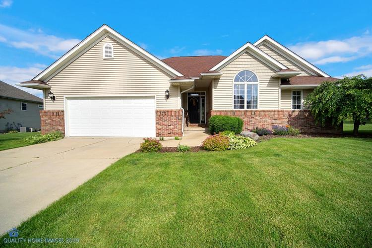 277 Hawkwood Drive Valparaiso, IN 46385 | MLS 457121 | photo 1
