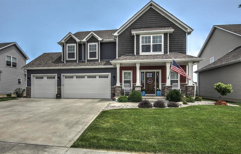946 Highlands Drive Crown Point IN 46307 | MLS 457450 | photo 1