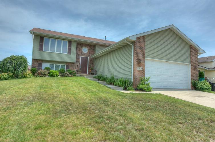 12705  Marsh Landing Parkway Cedar Lake, IN 46303 | MLS 458023