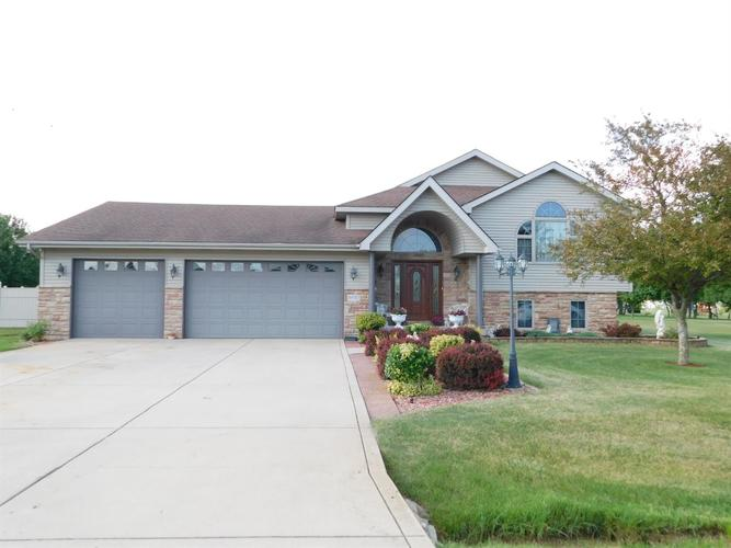 8990 W 157th Place Lowell, IN 46356 | MLS 458832 | photo 1