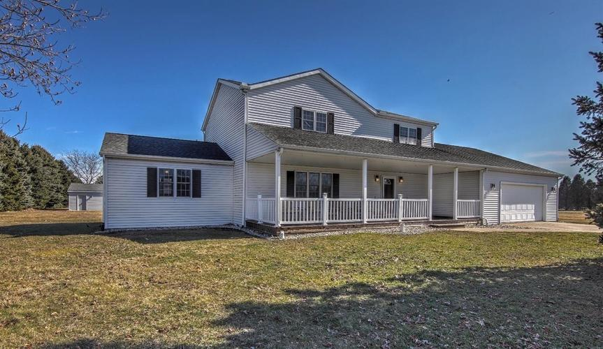 873  Andayol Drive Kouts, IN 46347 | MLS 458862