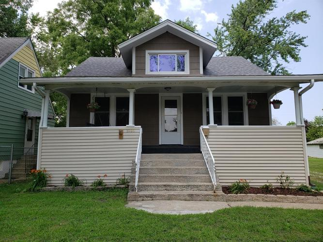 1031 170th Place Hammond, IN 46324 | MLS 459415 | photo 1