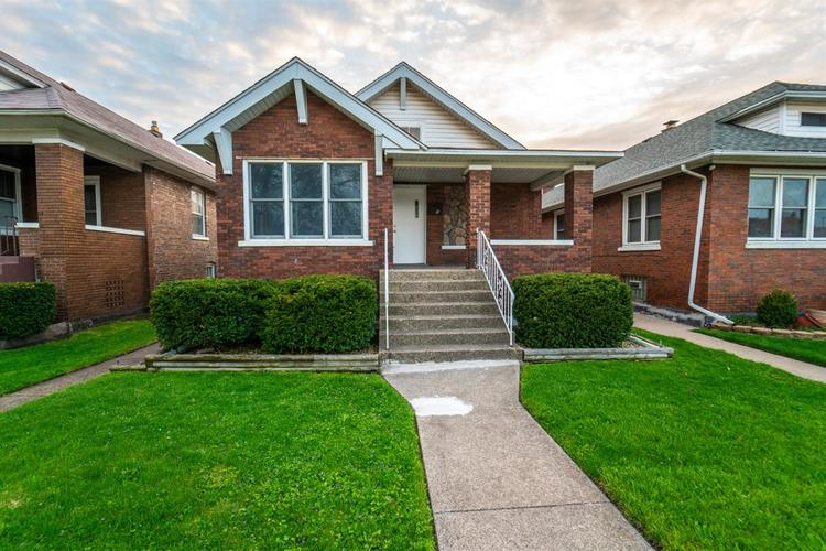 2118 Wespark Avenue Whiting, IN 46394 | MLS 459785 | photo 1