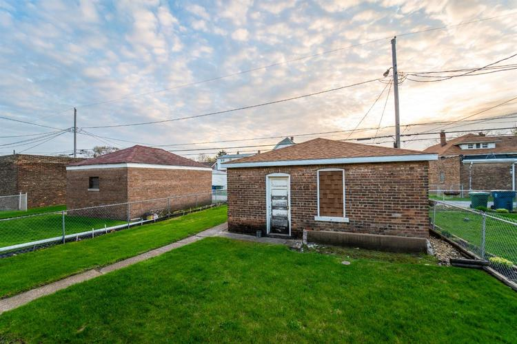 2118 Wespark Avenue Whiting, IN 46394 | MLS 459785 | photo 18