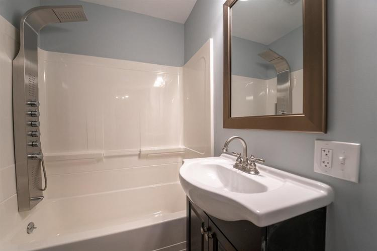 2118 Wespark Avenue Whiting, IN 46394 | MLS 459785 | photo 6