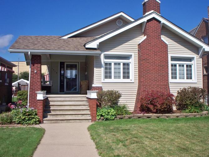 1318 Davis Avenue Whiting, IN 46394 | MLS 459940 | photo 1