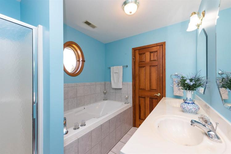 10104 Windfield Drive Munster, IN 46321 | MLS 460512 | photo 11
