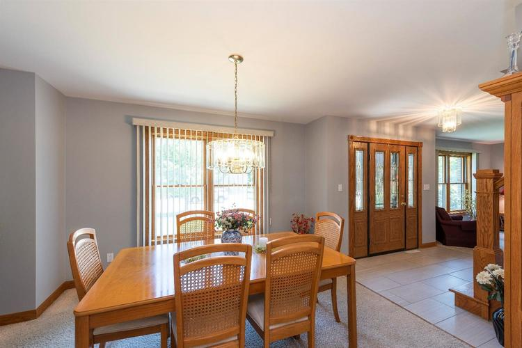 10104 Windfield Drive Munster, IN 46321 | MLS 460512 | photo 3