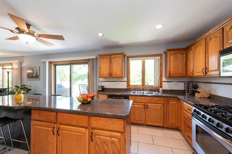 10104 Windfield Drive Munster, IN 46321 | MLS 460512 | photo 6