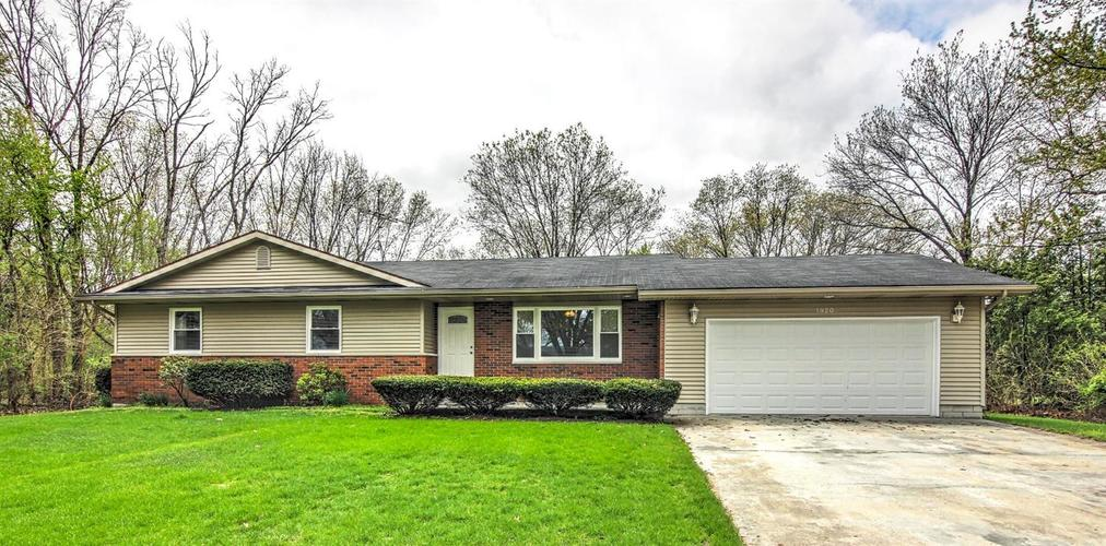 1920 Hickory Street SW DeMotte, IN 46310 | MLS 460639 | photo 1