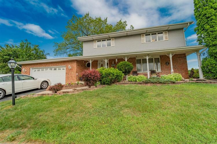 2524 Castlewood Drive Dyer, IN 46311 | MLS 460675 | photo 1