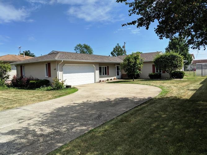 638 205th Place Dyer, IN 46311 | MLS 460713 | photo 1